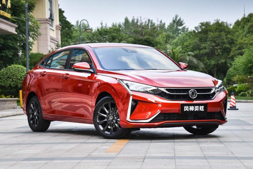 Седан Dongfeng Aeolus Yixuan: брат Opel Corsa и Peugeot 208 1