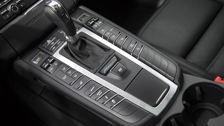 Porsche отзывает почти 100 тысяч автомобилей в США 1