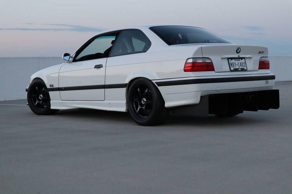 23-летний BMW M3 продают по цене нового Land Cruiser Prado 2