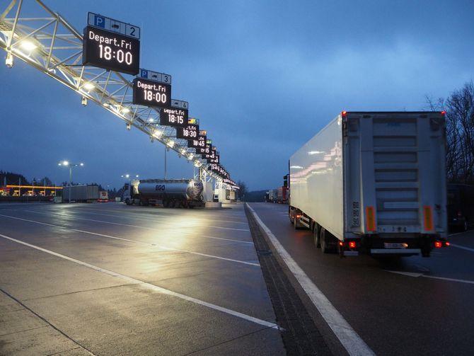 Польша ввела новое ограничение движения для грузовиков 1