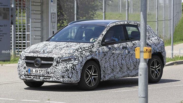 Новый Mercedes-Benz GLA-Class был замечен на улицах 1