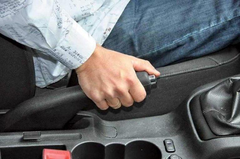 Что делать, если отказали тормоза в автомобиле 1