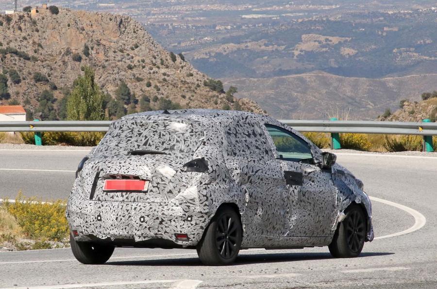 Renault Zoe нового поколения: первое «живое» фото 2