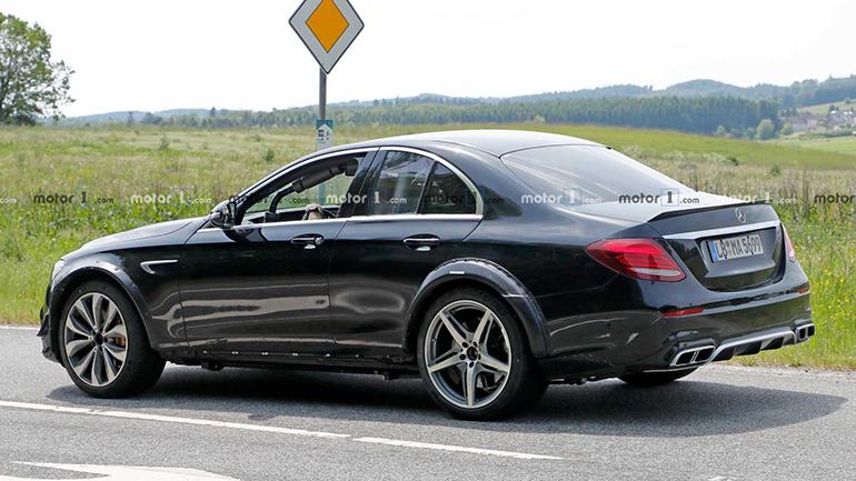 Опубликованы снимки странного прототипа Mercedes 2