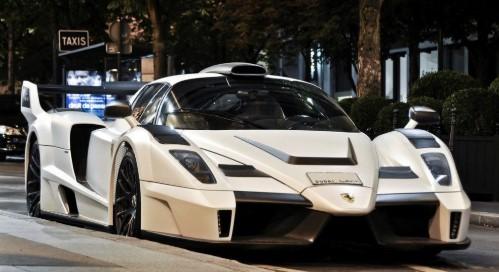 Фальшивую Ferrari Enzo поймали на парковке 2