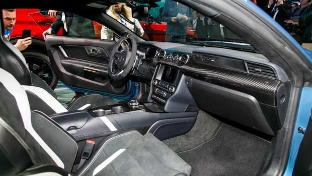 Ford Mustang Shelby GT500 получит более 700 лошадиных сил мощности 2