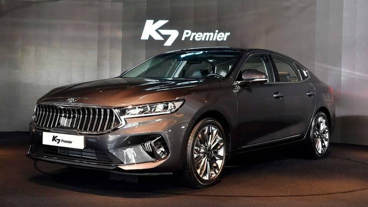 Kia представила обновленный седан K7 1