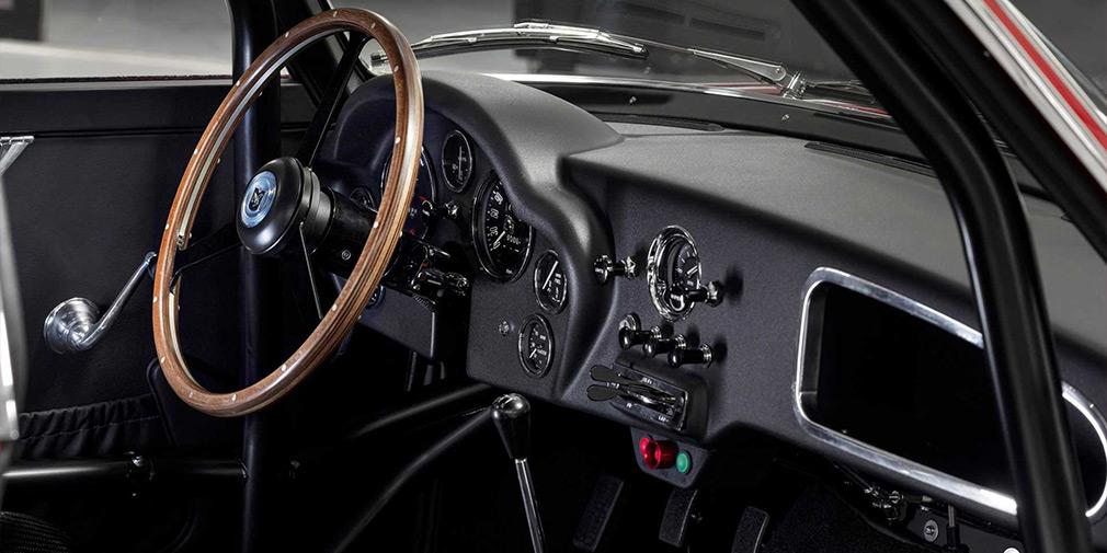 Aston Martin возродил классический DB4 Zagato 3