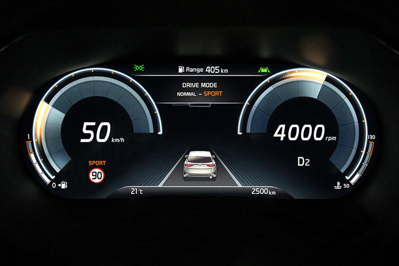 Приборная панель Kia XCeed будет цифровой 1