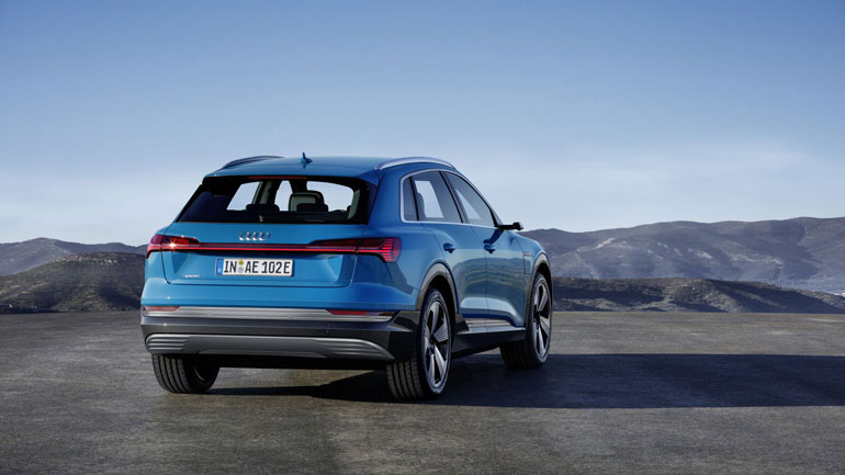 Audi отзывает новые электрокары Audi e-tron в США 1