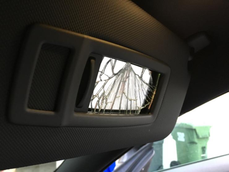 Чем опасен солнцезащитный козырек в автомобиле 2