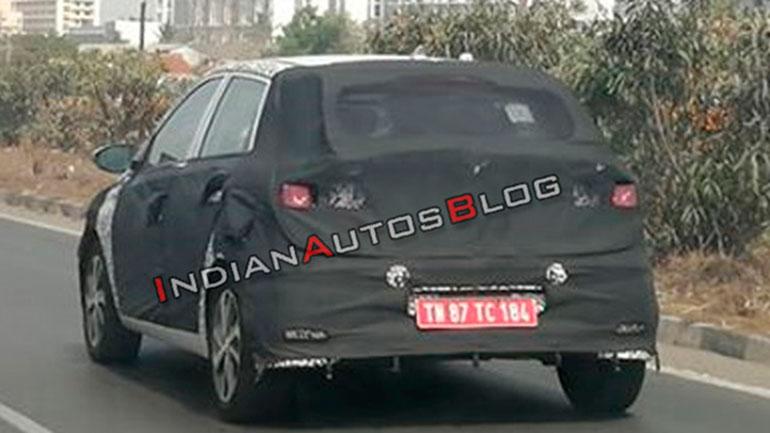 Hyundai проводит тесты нового i20 на дорогах Индии 1