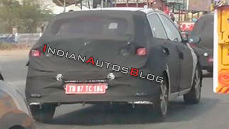 Hyundai проводит тесты нового i20 на дорогах Индии 2