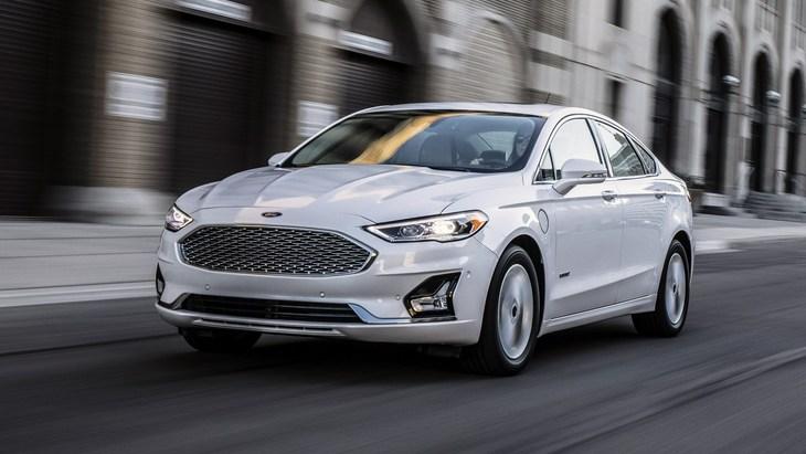 Ford отказывается от американского брата Mondeo 1