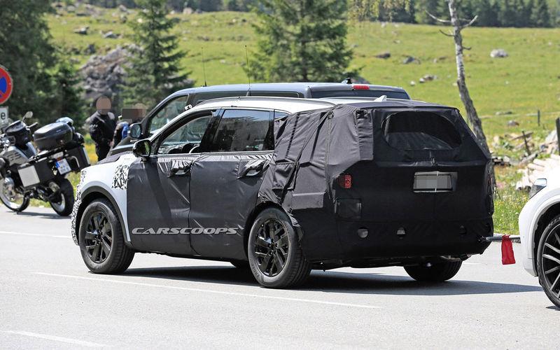 Kia Sorento нового поколения копируют с BMW X5 3