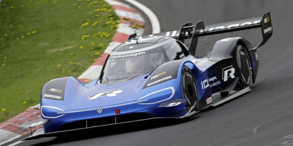 Volkswagen ID. R стал быстрейшим электрокаром Нюрбургринга 1