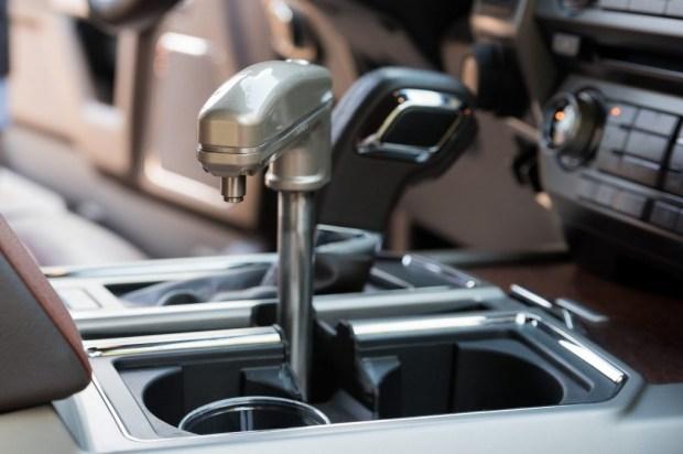Израильская компания установила краны с питьевой водой в авто 2