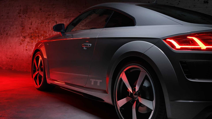 Audi начнет продавать автомобили через интернет 1