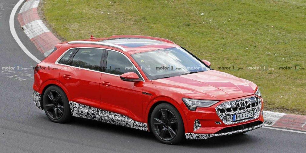 Audi вывела на тесты спортивную версию электрического кроссовера e-tron 1