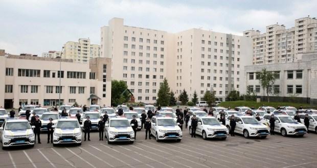 Нацполиция получила 83 гибридных автомобиля нового поколения 2
