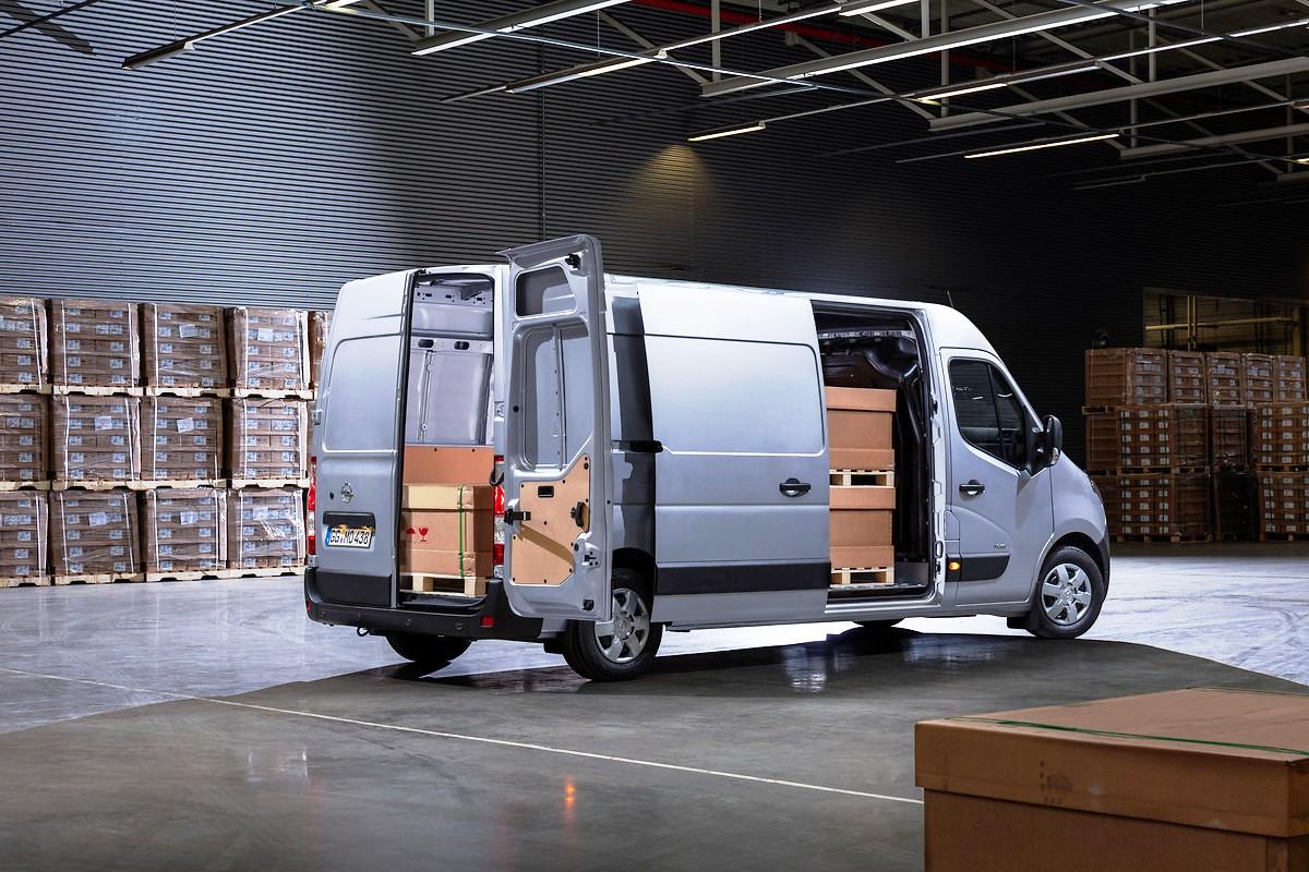 Обновился большой фургон Opel Movano 2