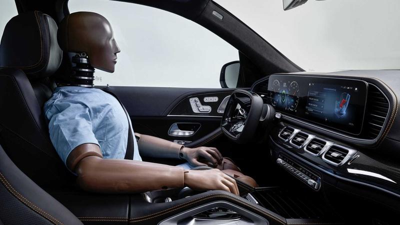 Mercedes-Benz представил концепт безопасного автомобиля 2