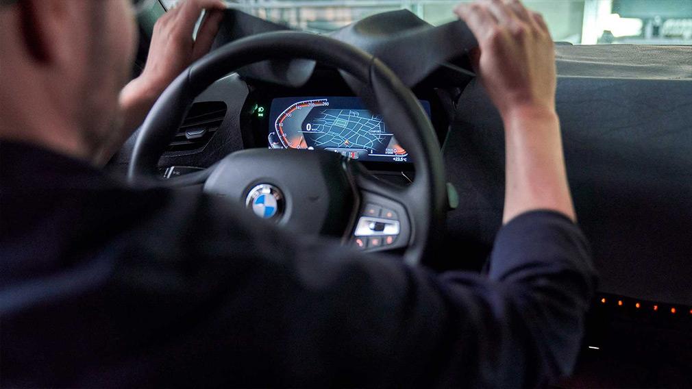 BMW показала дизайн новой 1-Series 3