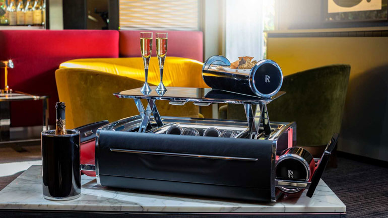 Rolls-Royce предлагает шампанское за почти 50 000 долларов 1
