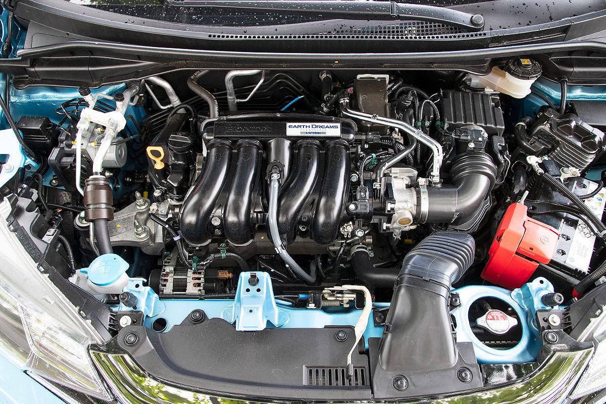 «В поисках лучшего»: тест-драйв Honda Jazz 3