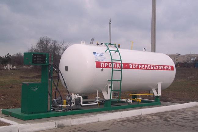 На украинских АЗС газ упал в цене 1