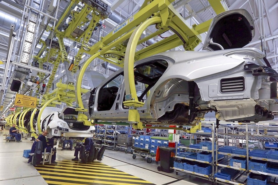 Mercedes-Benz бьет рекорды продаж 1