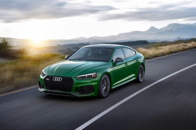 Компания Audi презентовала  пятидверное купе RS 5 Sportback 1