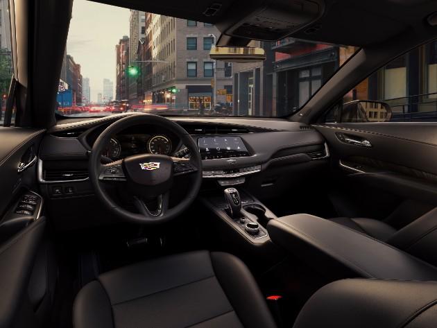 Cadillac представил новый кроссовер XT4 3