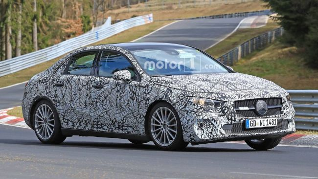 Новый седан Mercedes-Benz вышел на тесты 2
