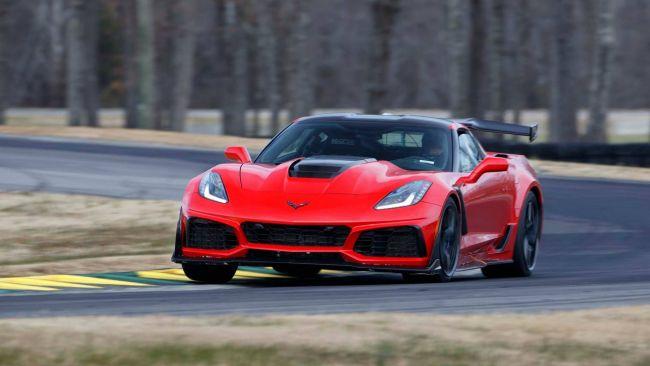 Появилась свежая информация о супермощном Chevrolet Corvette ZR1 1