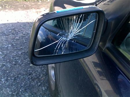 Водитель сбил пешехода на переходе и потребовал у него за это деньги 1