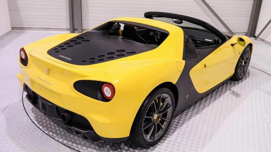 Подержанный автомобиль продают за пять миллионов долларов 2