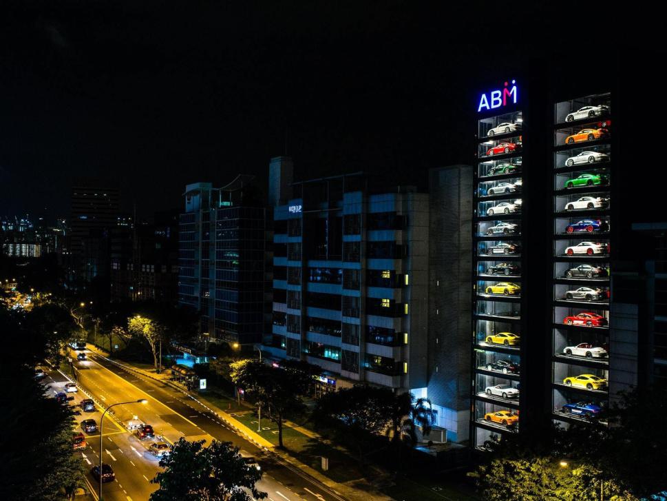 Компания Alibaba откроет вендинговый автомат по продаже автомобилей 1