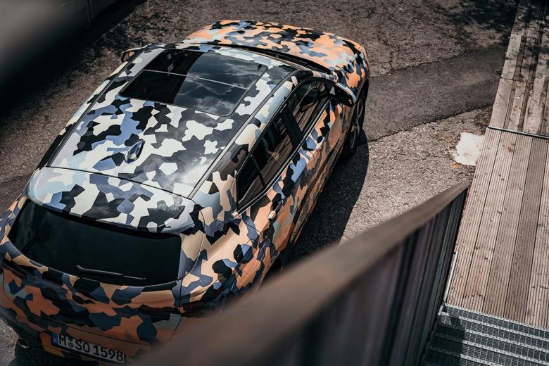 Тестовый прототип BMW «одели» в «боевой» камуфляж 2