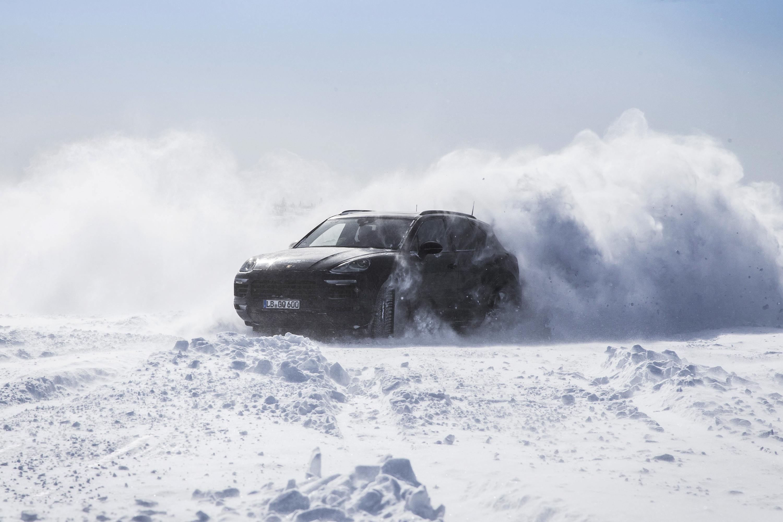 Porsche рассказал, как испытывал новый Cayenne 2