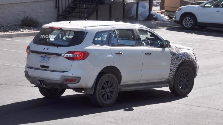 Ford Bronco продолжает удручать 1