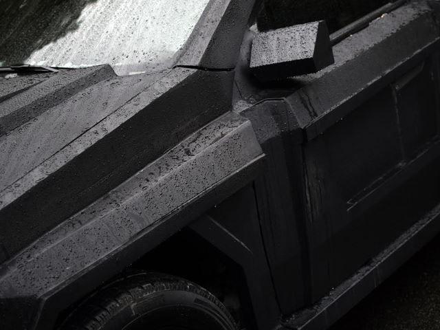 Латвийцы построили автомобиль для нового врага Джеймс Бонда 3