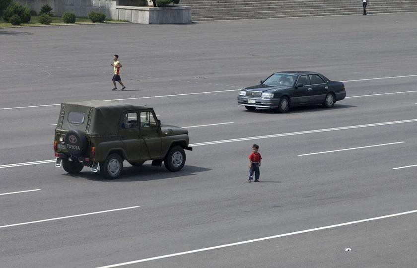 На каких автомобилях ездят в КНДР 3