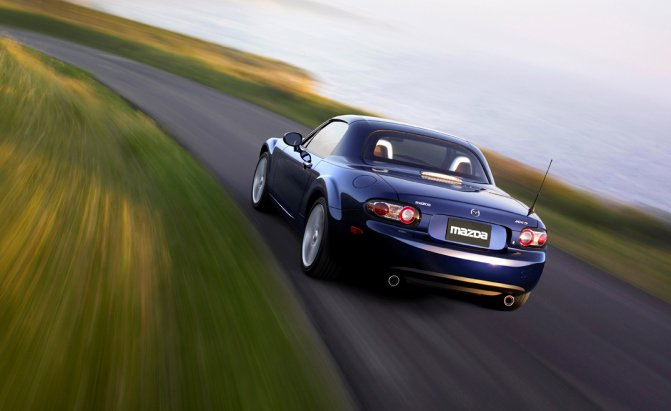 Самые лучшие модели Mazda MX-5 Miata  1