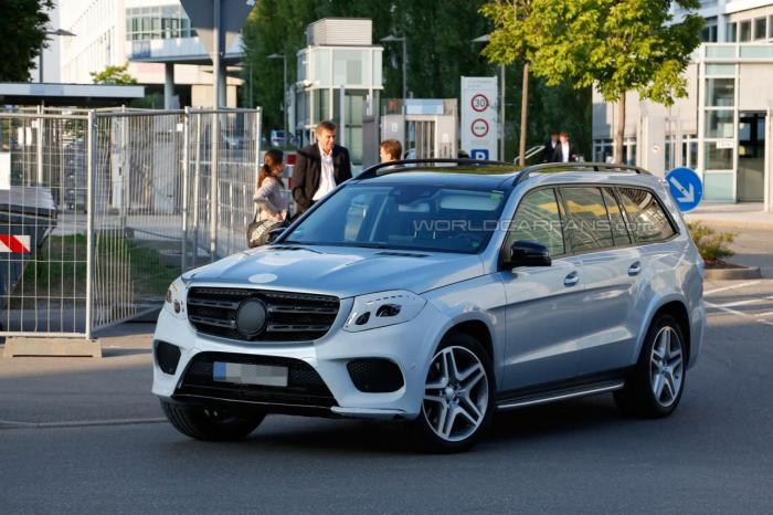 Шпионские фото Benz GLS 2016 года 3