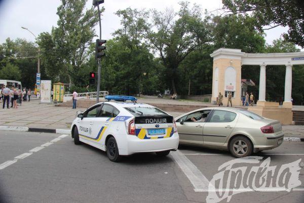 Патрульные полицейские припарковались как «хамы» 1
