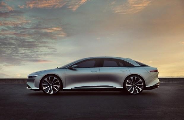 Прямому конкуренту Tesla выделили $1 миллиард инвестиций 1