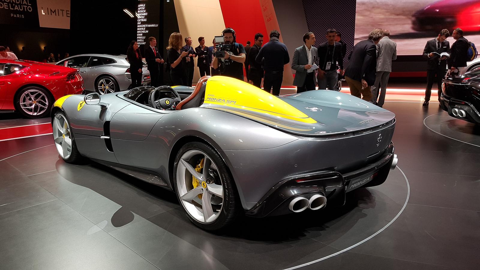 Ferrari презентовала в Париже два невероятно крутых суперкара 2