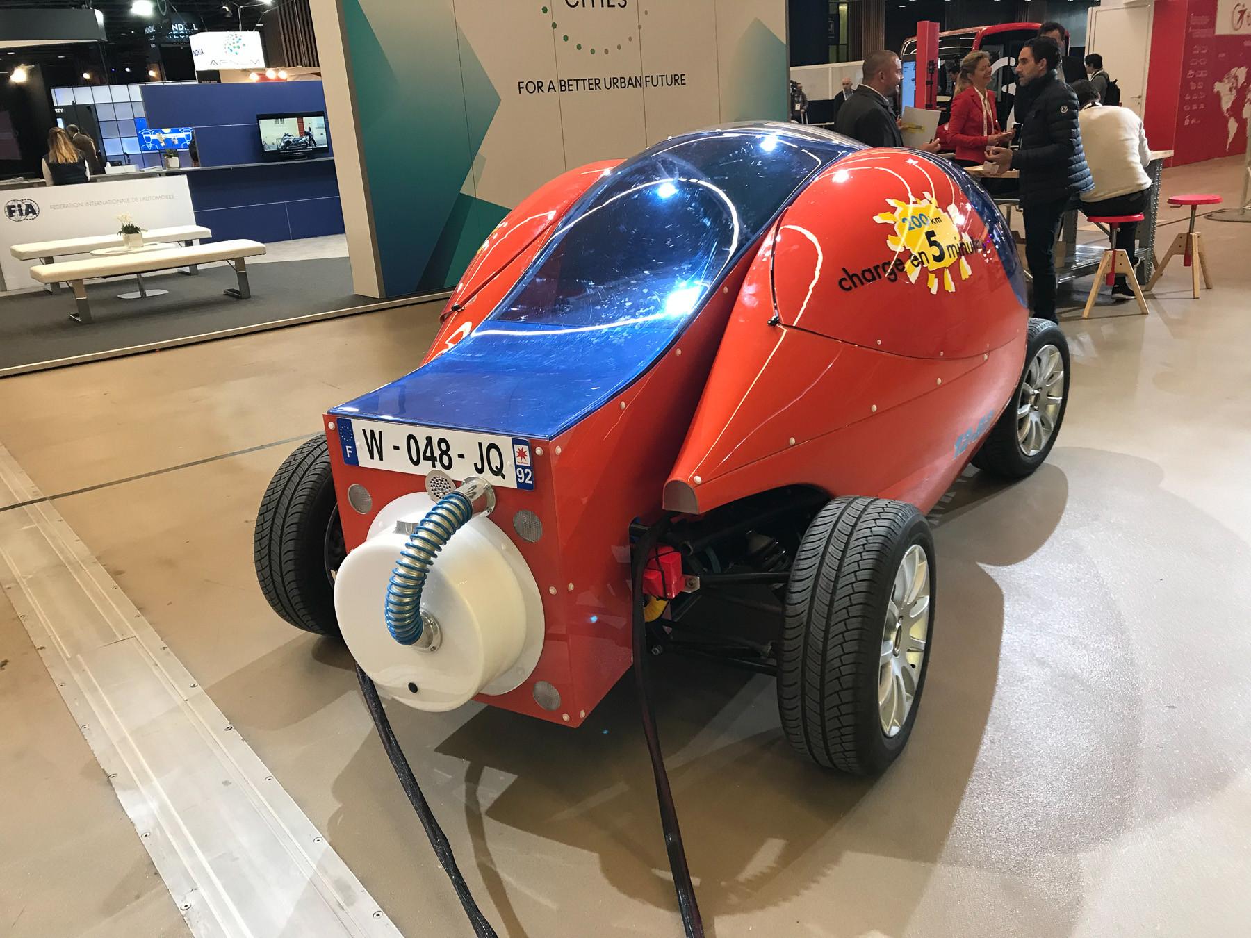Странный автомобиль из Парижа, который установил рекорд 2
