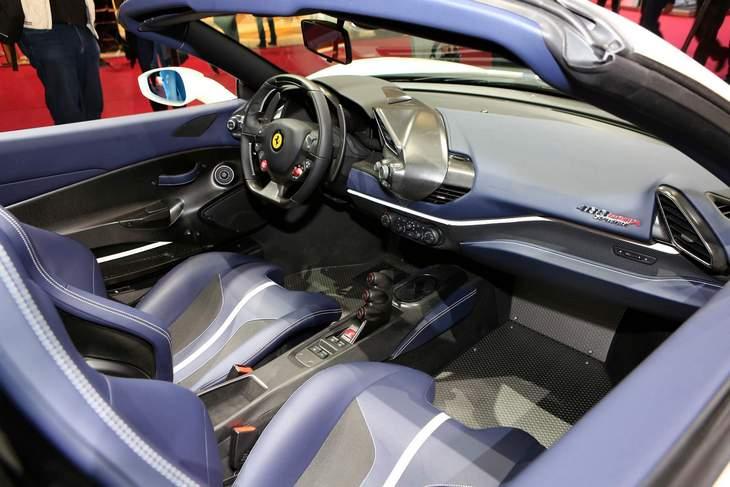 Ferrari раскрыла все технические характеристики 488 Pista Spider 3